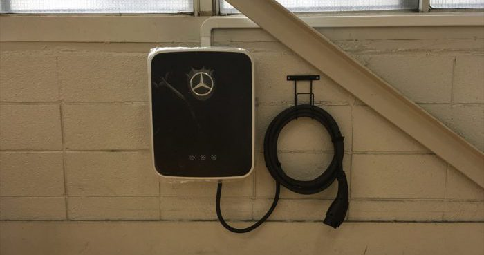 メルセデス・ベンツ用EV充電器